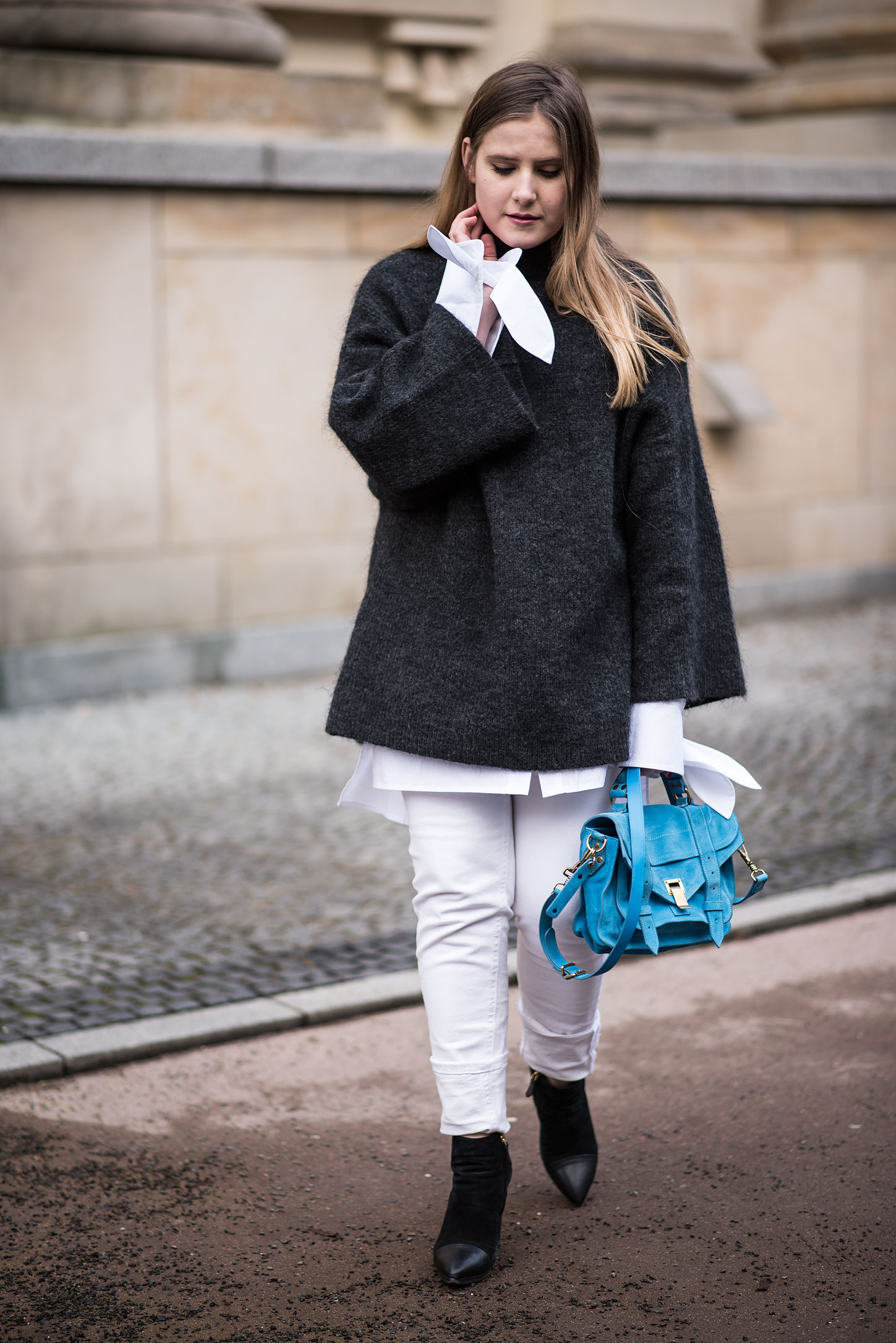 proenza-schoulder-bag-white-jeans-white-blouse-oversized-jumper-florafallue