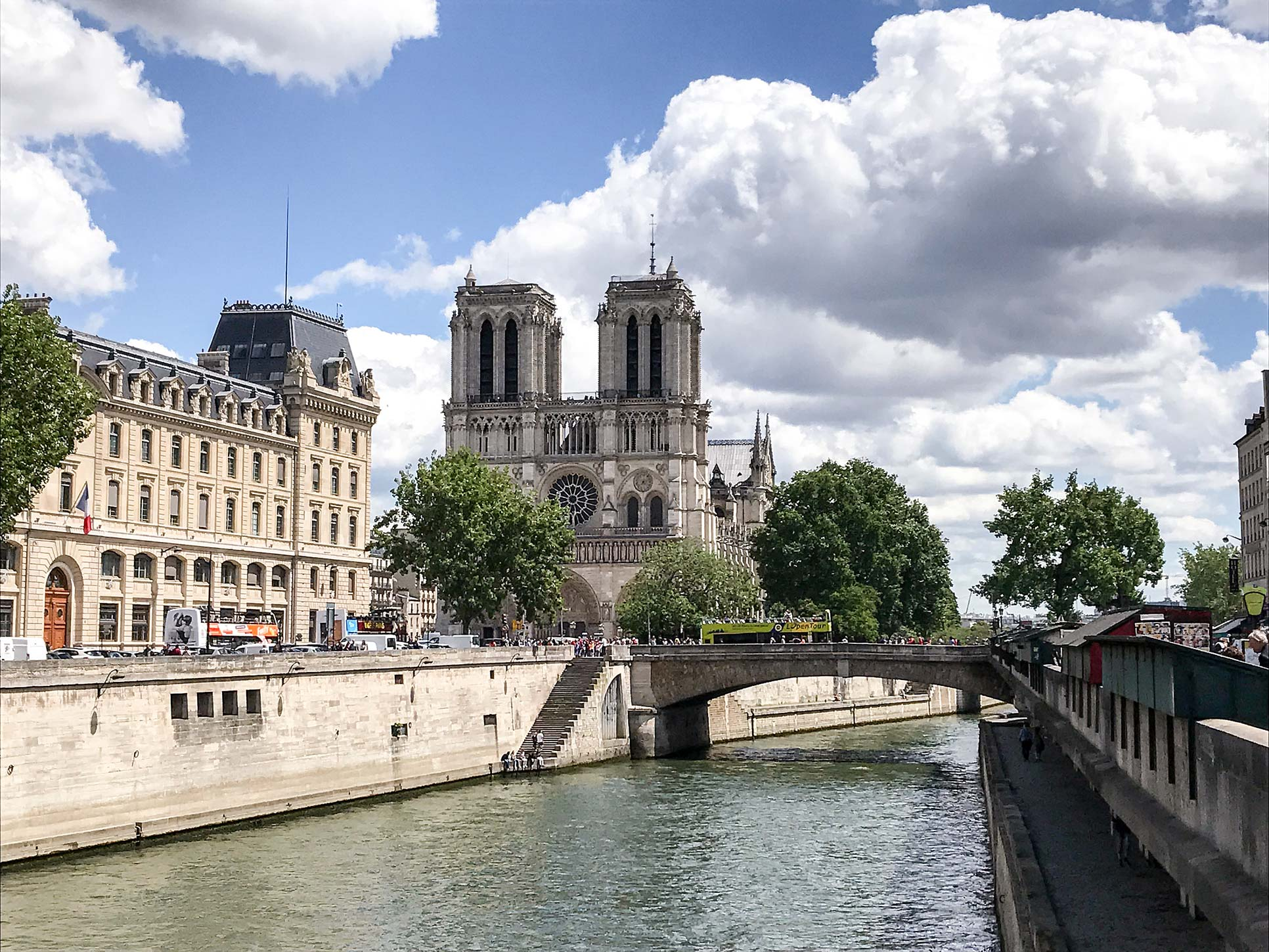 Notre-Dame-Paris-Travel-Guide-Flora-Fallue